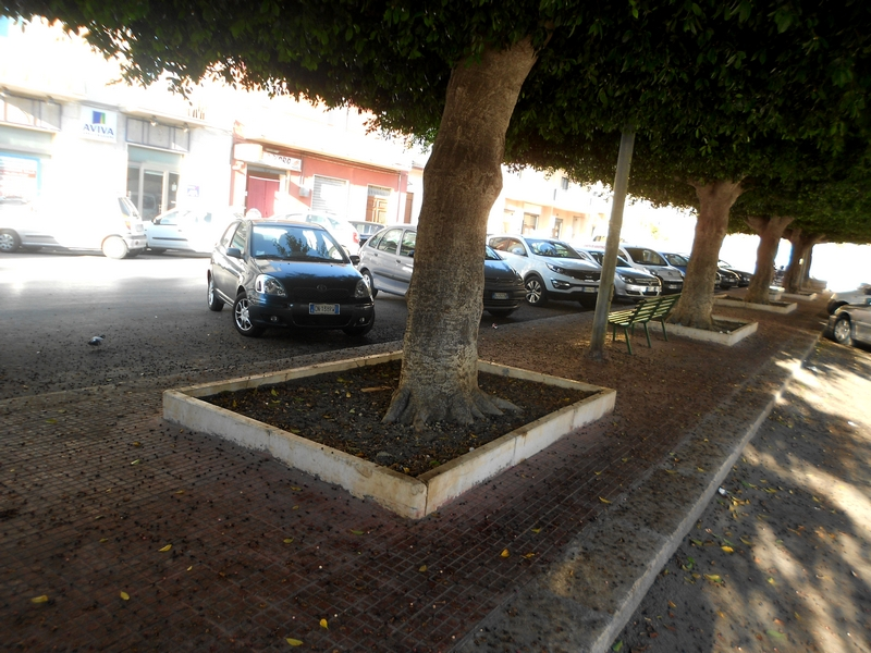 Marciapiedi viale Regione Siciliana
