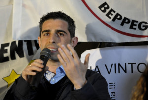 Federico Pizzarotti, M5S
