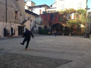 Piazza a pallone Intra