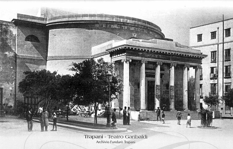 Teatro Garibaldi a piazza Scarlatti