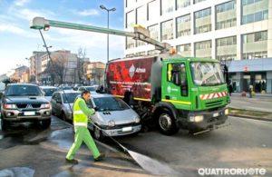 Pulizia strade senza rimozione a Milano, AMSA