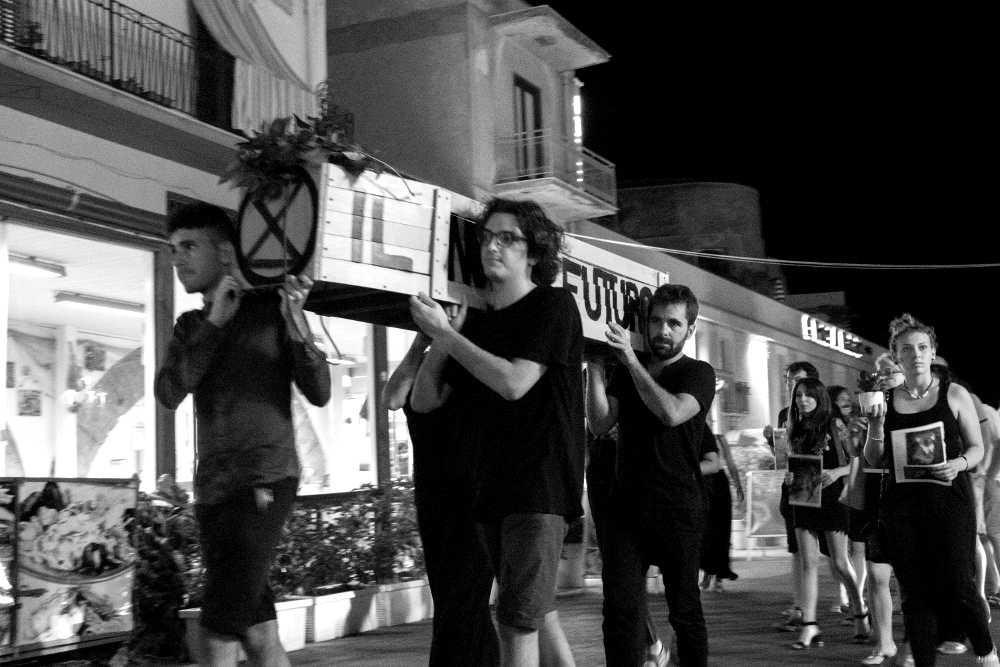 Corteo_Funebre_Extinction_Rebellion_Castellammare_2